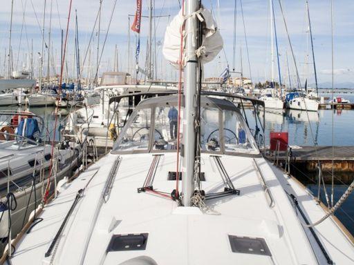 Sailboat Beneteau Oceanis 45 · 2016 (4)