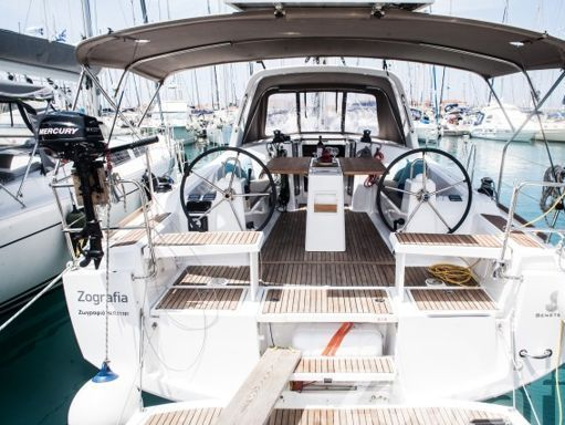 Sailboat Beneteau Oceanis 38 · 2015 (1)
