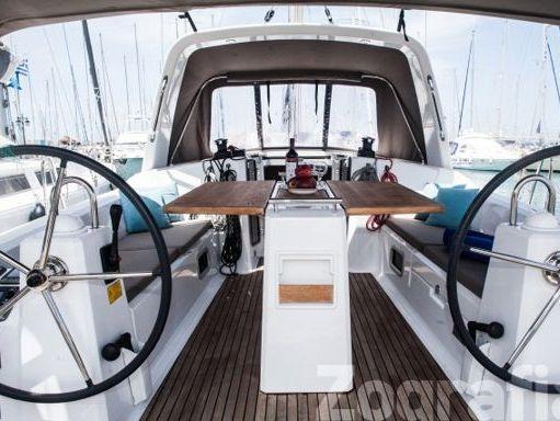 Sailboat Beneteau Oceanis 38 · 2015 (4)