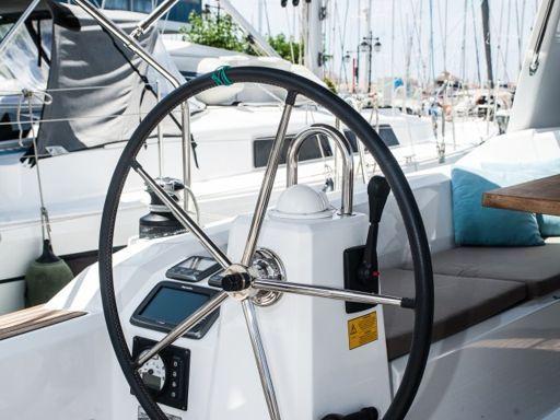 Sailboat Beneteau Oceanis 38 · 2015 (2)