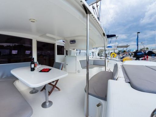Catamaran Fountaine Pajot Salina 48 · 2008 (refit 2014) (2)