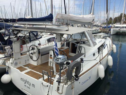 Sailboat Beneteau Oceanis 38 · 2014 (0)