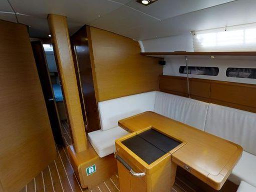 Sailboat Jeanneau Sun Odyssey 43.9 · 2012 (4)