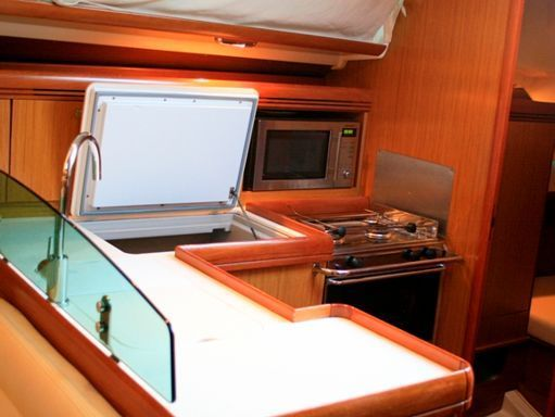 Sailboat Jeanneau Sun Odyssey 39 i · 2008 (2)