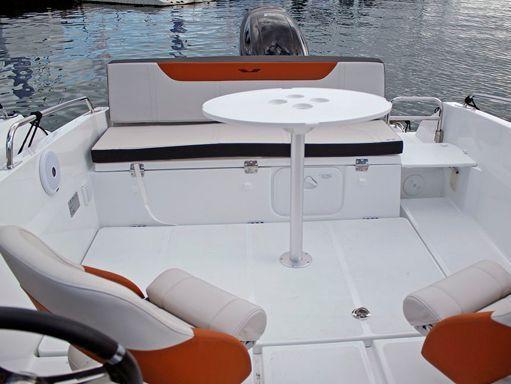 Speedboat Beneteau Flyer 6.6 Sportdeck · 2018 (4)