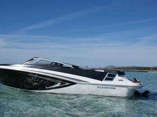 Speedboat Glastron 225 GT · 2015 (refit 2021) (1)