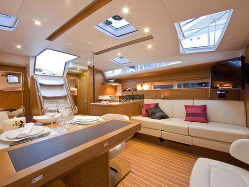 Sailboat Jeanneau 53 · 2014 (1)