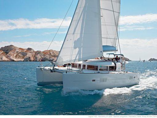 Catamaran Lagoon 400 S2 · 2016 (refit 2017) (1)