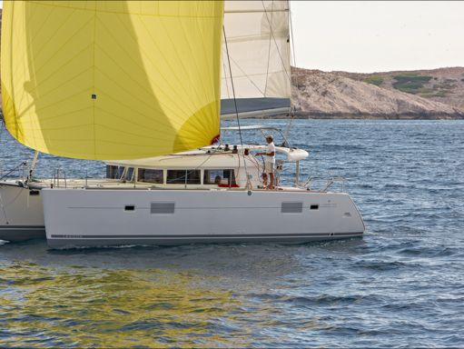 Catamaran Lagoon 400 S2 · 2016 (refit 2017) (0)