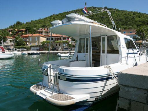 Barco a motor Sas Vektor Adria 1002 · 2004 (reacondicionamiento 2013) (2)