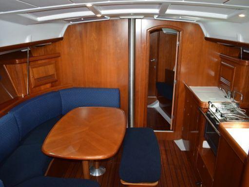 Velero Beneteau Oceanis Clipper 393 · 2004 (reacondicionamiento 2016) (2)