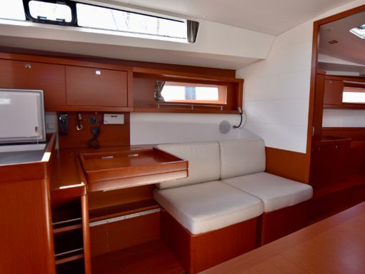 Sailboat Beneteau Oceanis 45 · 2018 (4)