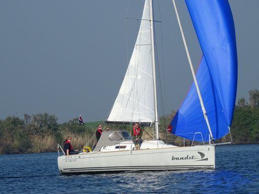 Sailboat Beneteau First 27.7S · 2009 (2)