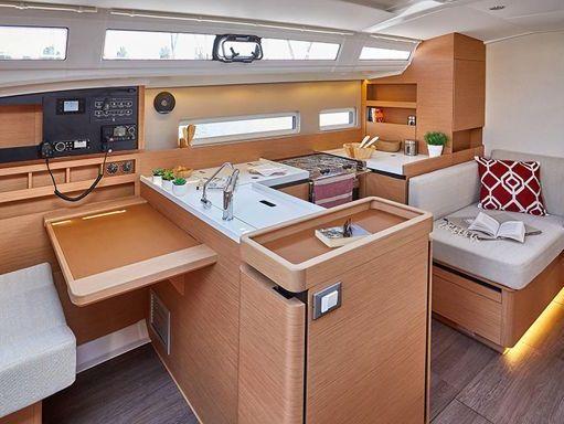 Sailboat Jeanneau Sun Odyssey 440 · 2016 (2)