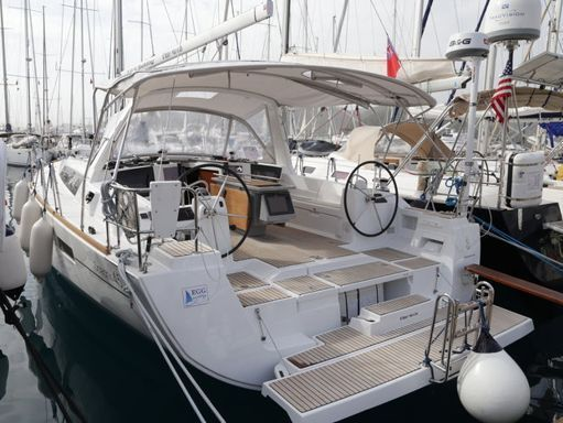 Sailboat Beneteau Oceanis 45 · 2014 (1)
