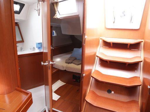 Sailboat Beneteau Oceanis 45 · 2014 (4)