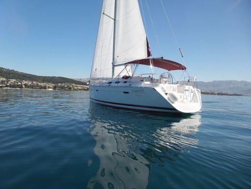 Sailboat Beneteau Oceanis Clipper 393 (2006) (1)
