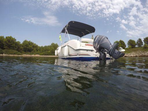 Motorboat Ferretti 650 Open · 2009 (2)