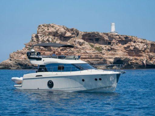 Motorboat Beneteau Monte Carlo 4 · 2017 (1)