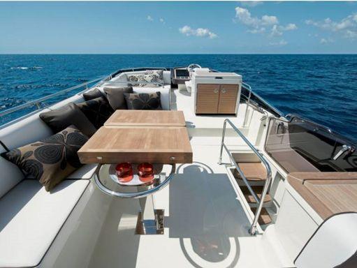 Motorboat Beneteau Monte Carlo 5 · 2019 (1)