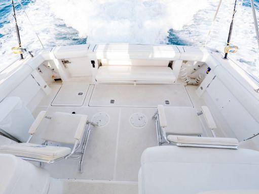 Motorboat Tiara 38 · 2000 (2)