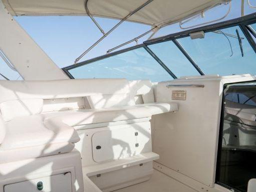 Motorboat Tiara 38 · 2000 (1)
