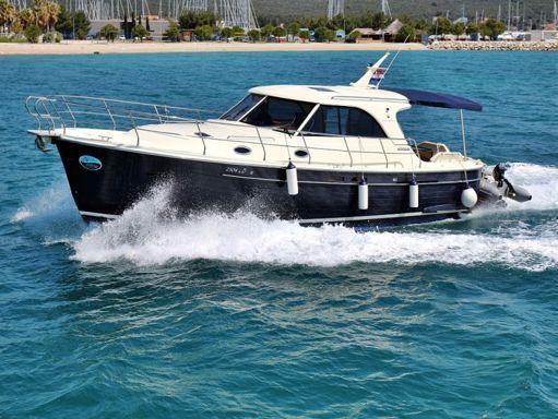 Barco a motor Sas Vektor Adriana 44 · 2012 (0)