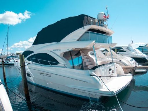 Motorboat Majesty 50 Fly · 2009 (refit 2009) (1)