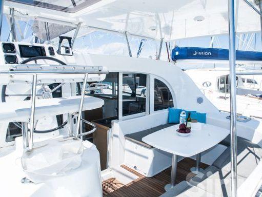 Catamaran Lagoon 380 S2 · 2015 (4)