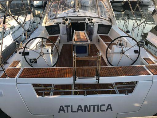 Sailboat Beneteau Oceanis 45 · 2018 (1)