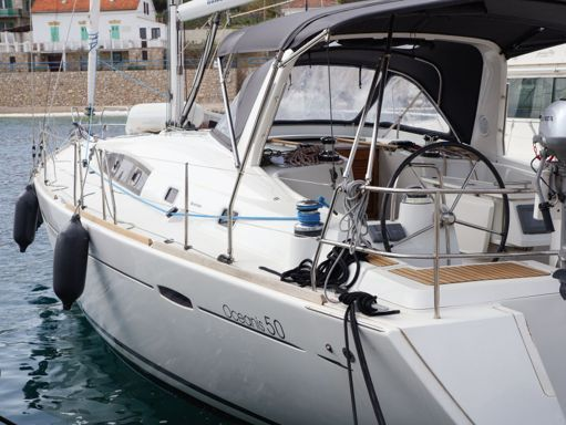 Velero Beneteau Oceanis 50 · 2012 (reacondicionamiento 2019) (1)