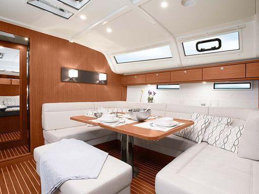 Sailboat Bavaria Cruiser 51 · 2019 (4)