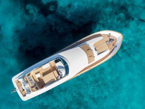 Motorboat Canados 80 S · 2004 (refit 2020) (4)