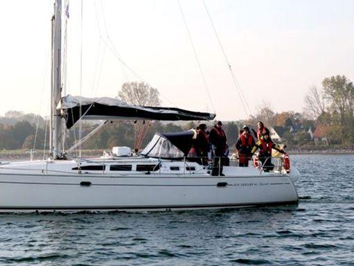 Sailboat Jeanneau Sun Odyssey 43 · 2004 (1)