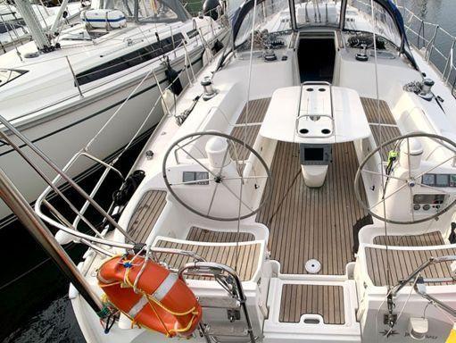 Sailboat Jeanneau Sun Odyssey 43 · 2004 (4)