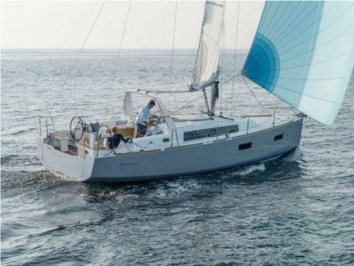Sailboat Beneteau Oceanis 38 · 2015 (0)