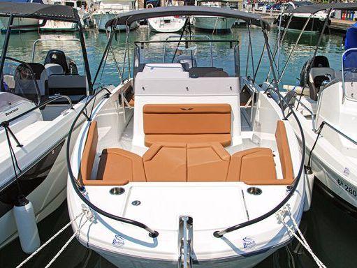 Motorboat Beneteau Flyer 8 Spacedeck · 2019 (refit 2019) (1)