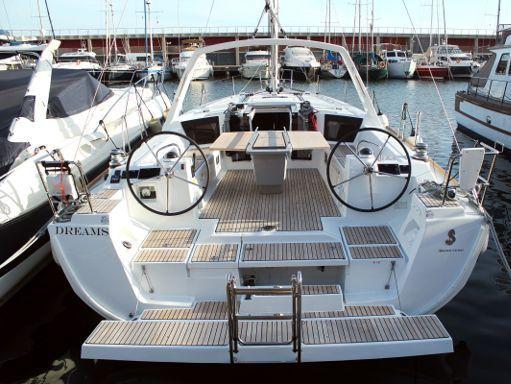 Sailboat Beneteau Oceanis 45 · 2019 (2)