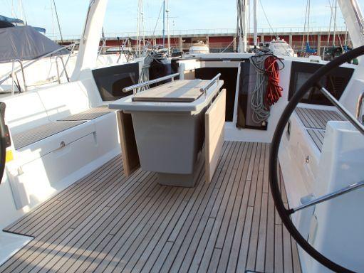 Sailboat Beneteau Oceanis 45 · 2019 (4)