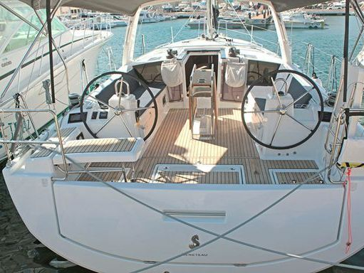 Sailboat Beneteau Oceanis 41.1 · 2019 (1)