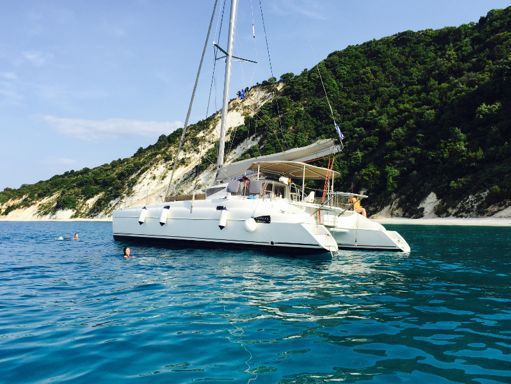 Catamaran Fountaine Pajot Athena 38 · 2007 (refit 2019) (0)