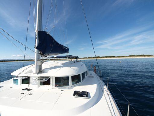 Catamaran Lagoon 380 · 2006 (refit 2012) (2)