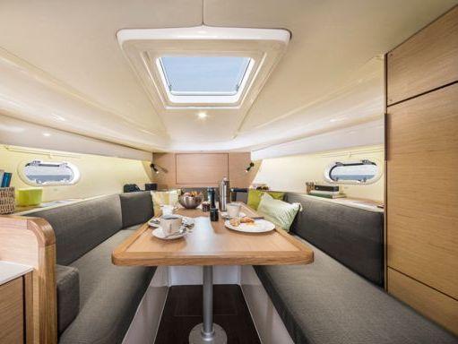 Motorboat Bavaria Sport 300 · 2019 (4)