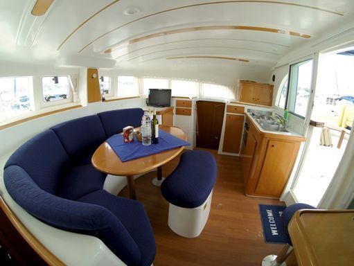 Catamaran Lagoon 380 · 2005 (2)