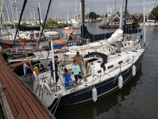 Sailboat Beneteau First 36.7 · 2002 (0)