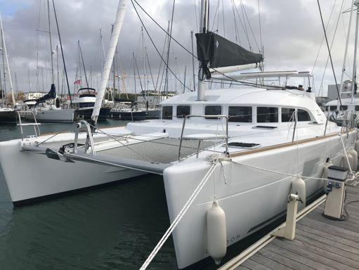 Catamaran Lagoon 380 S2 Premium · 2019 (1)