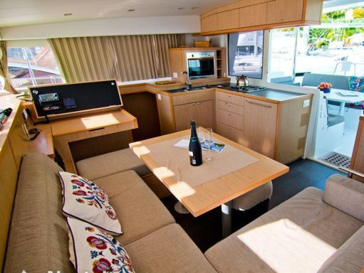Catamaran Lagoon 400 S2 · 2014 (2)