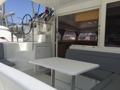 Catamaran Lagoon 400 S2 · 2014 (0)