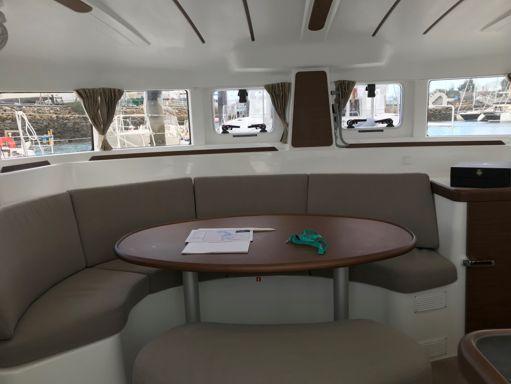 Catamaran Lagoon 380 S2 Premium · 2019 (2)