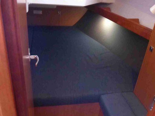 Sailboat Bavaria Cruiser 37 · 2018 (4)